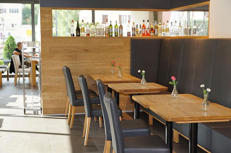 Produzione tavoli e sedie per ristoranti hotel e agriturismo